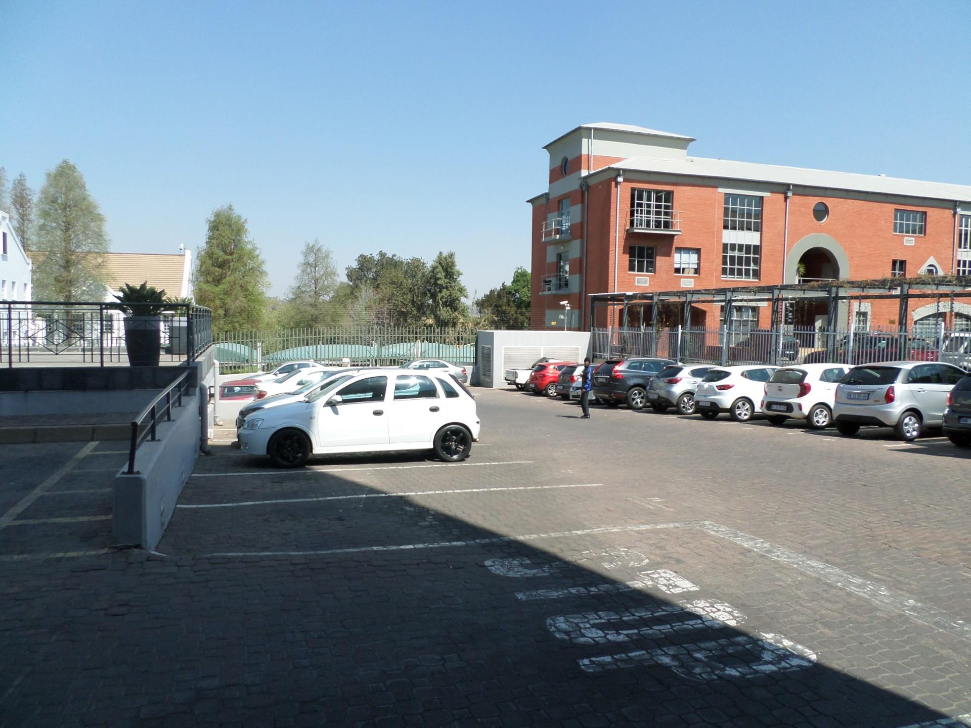 Commercial Property in Rosebank To Rent