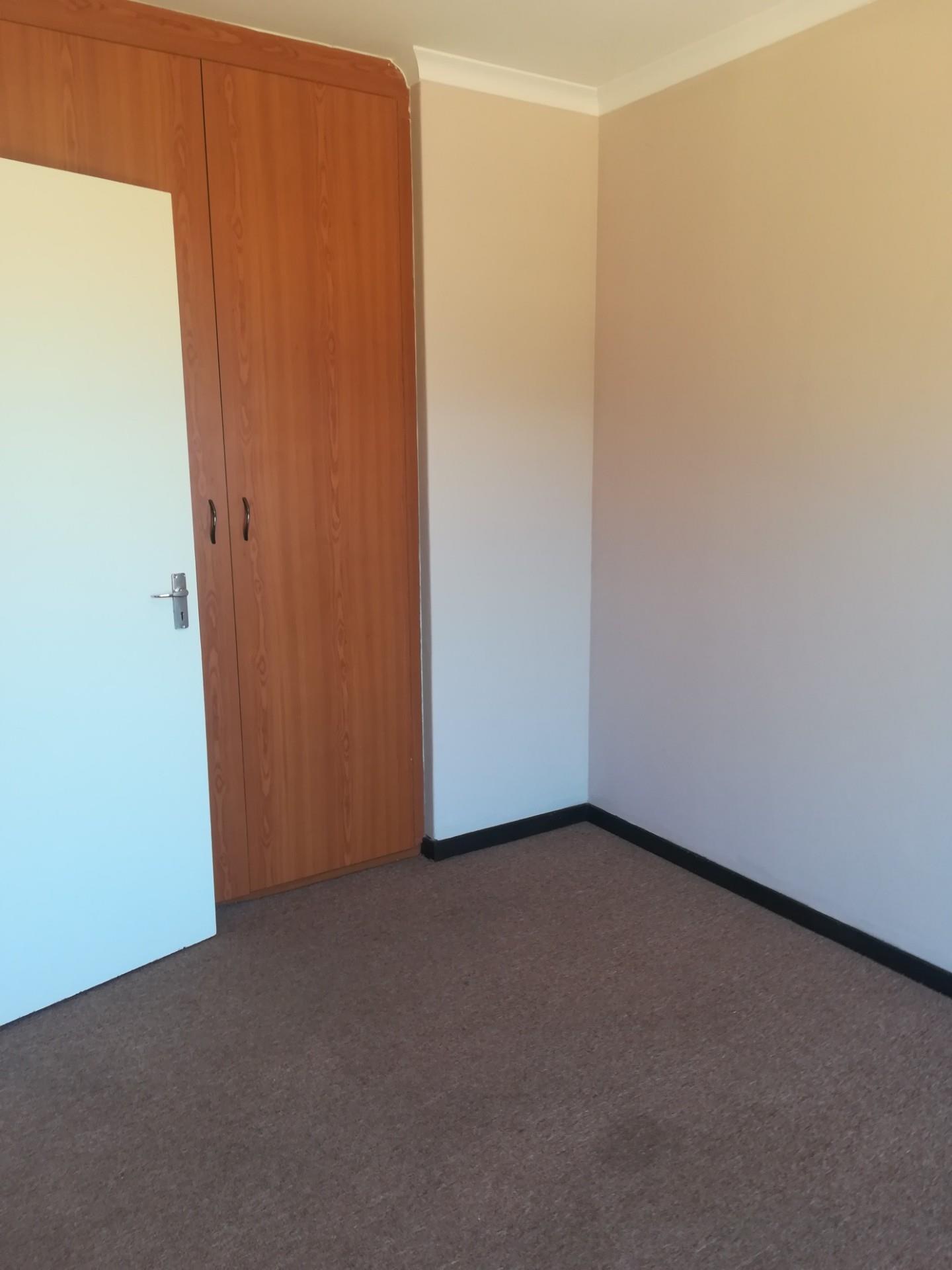 2 Bedroom Apartment / Flat To Rent in Randpoort