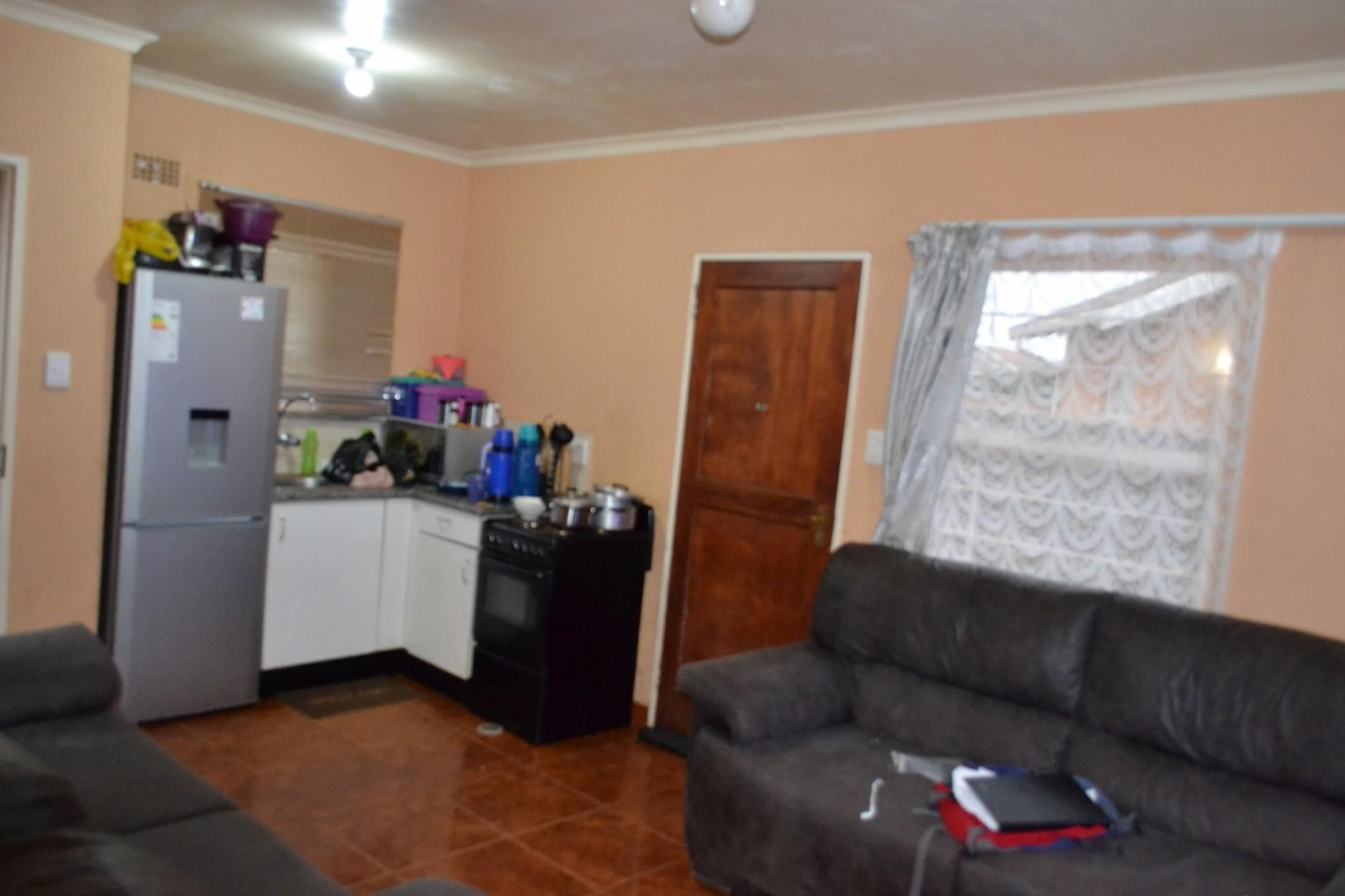 3 Bedroom House For Sale in Randfontein Central