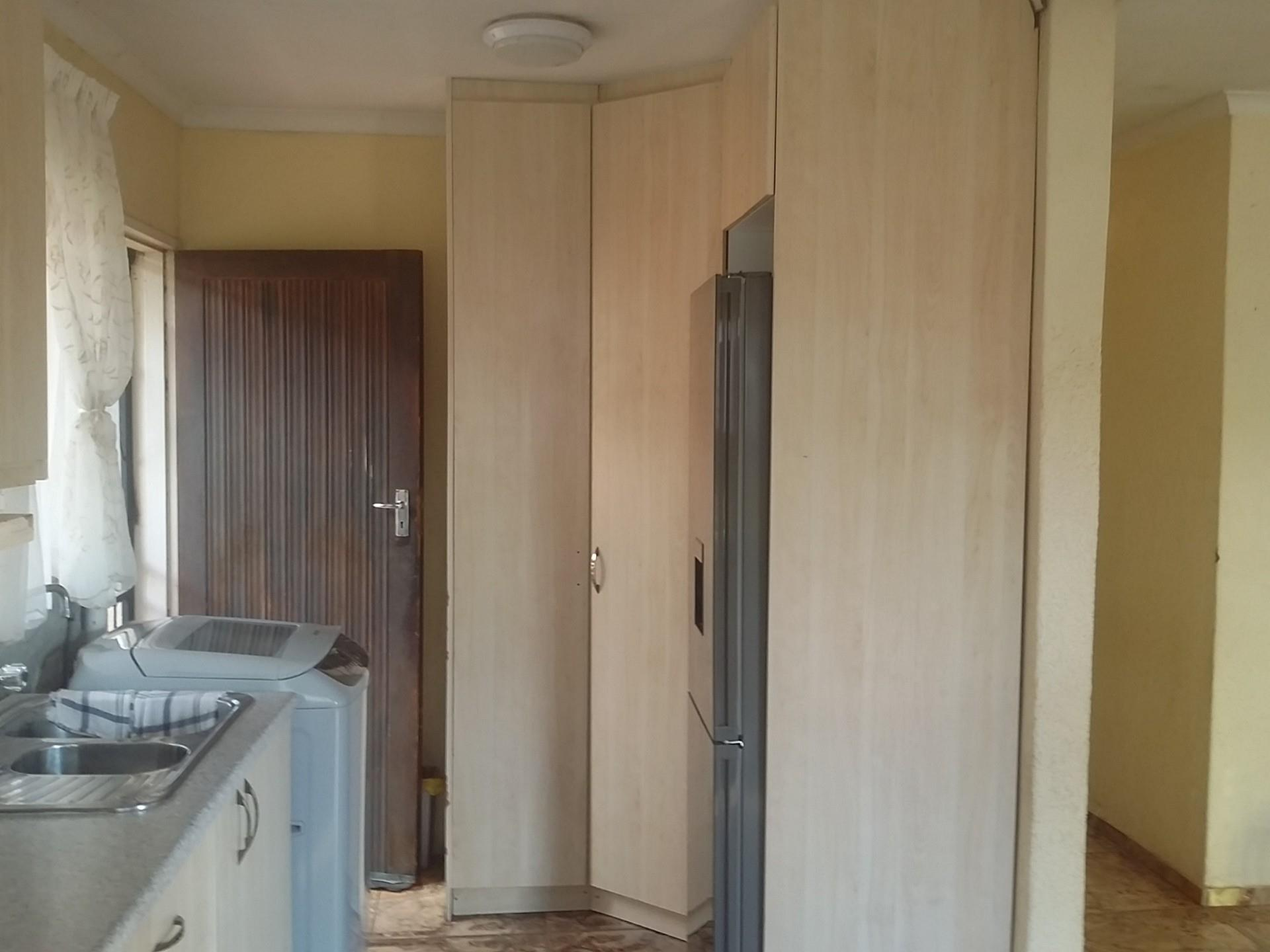 3 Bedroom House For Sale in Mohlakeng