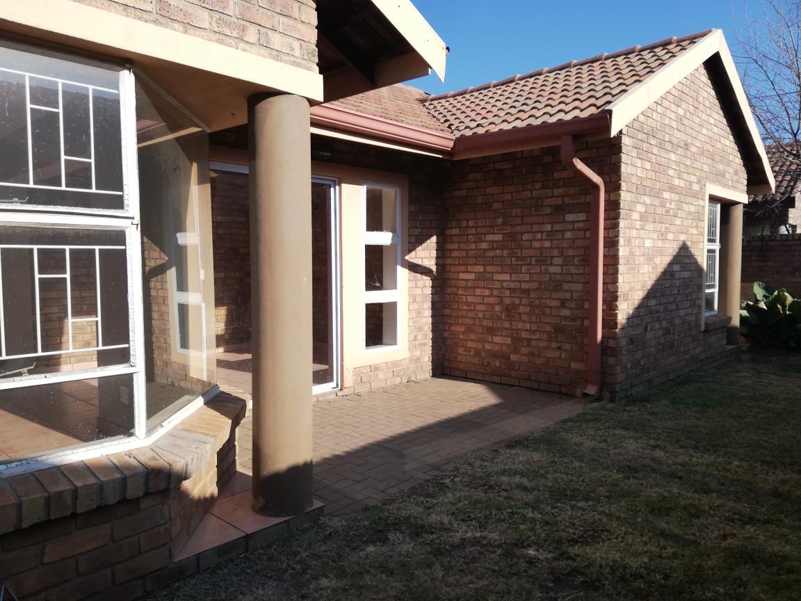 3 Bedroom House To Rent in Rensburg