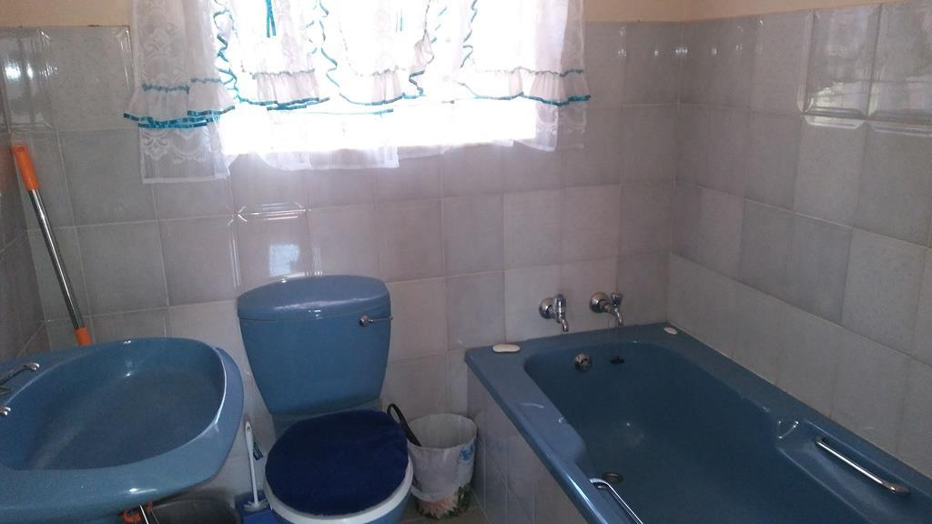 3 Bedroom House To Rent in Geelhoutpark