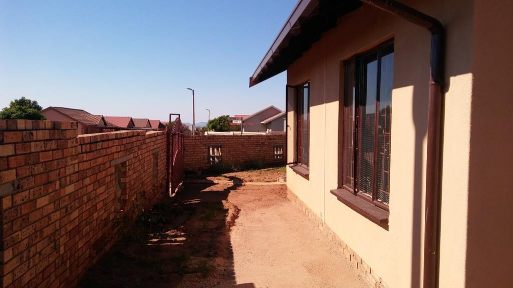 3 Bedroom House To Rent in Tlhabane West