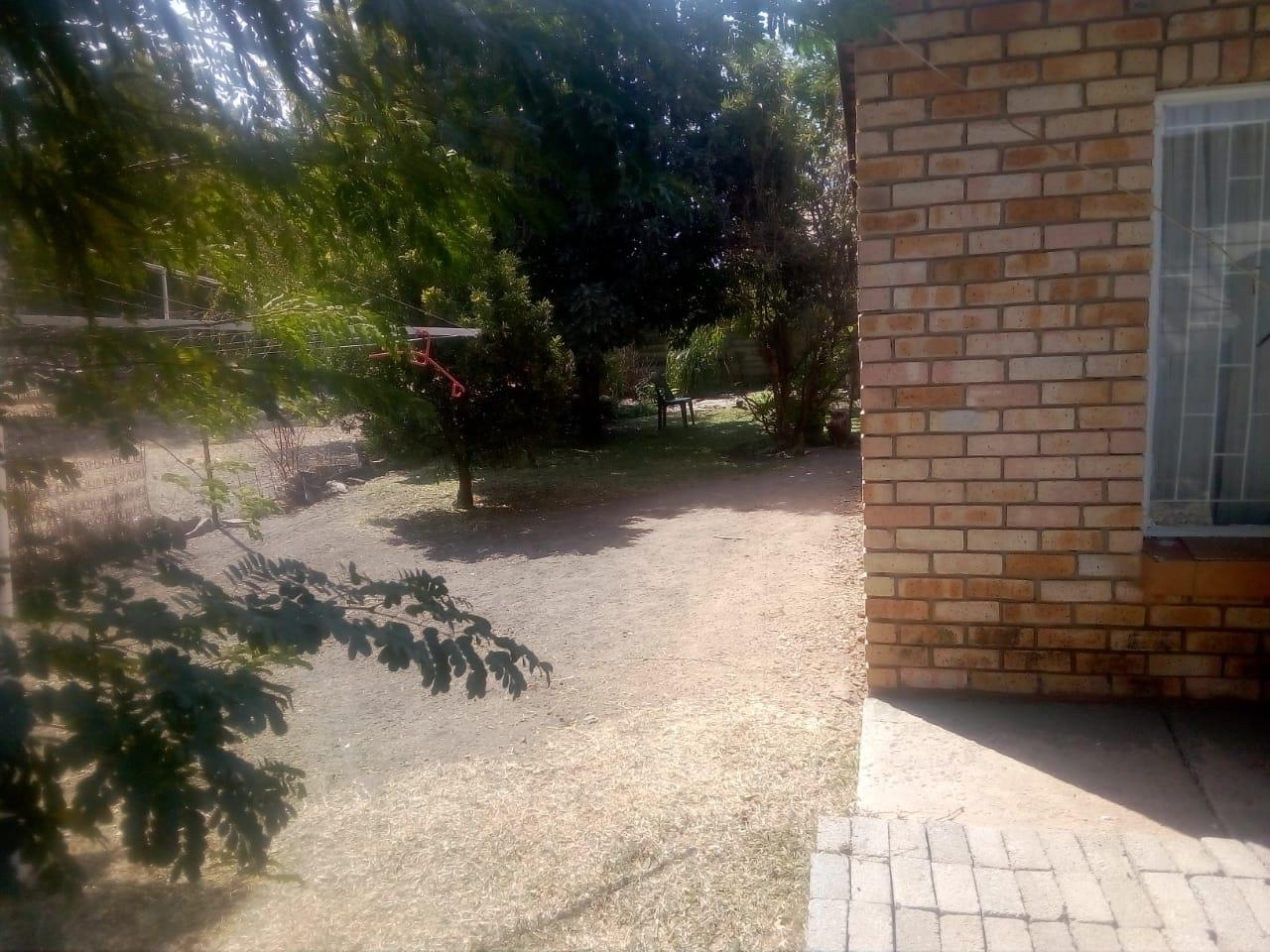 2 Bedroom House For Sale in Rustenburg North