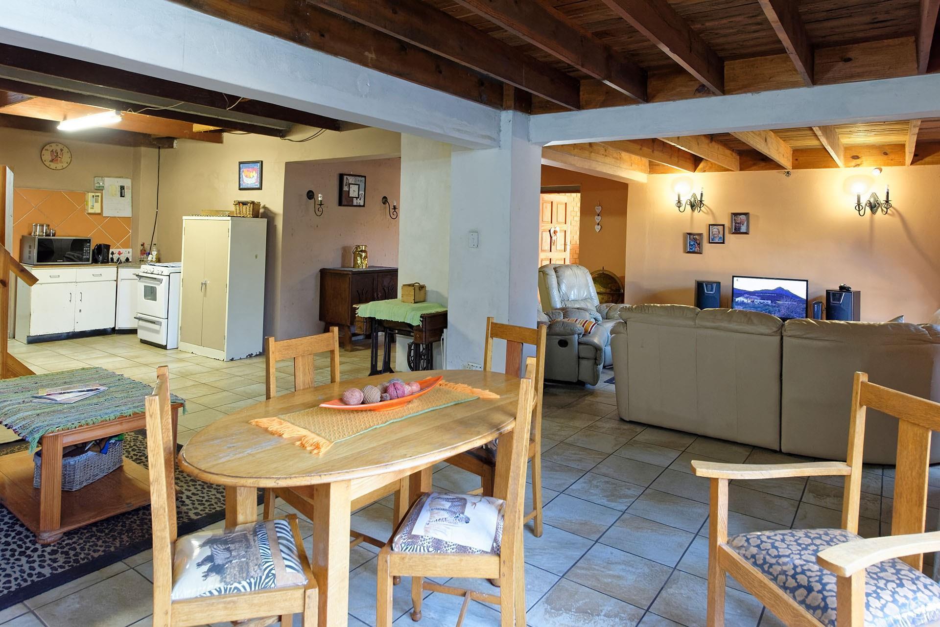 3 Bedroom House For Sale in Vanderbijlpark SE 4