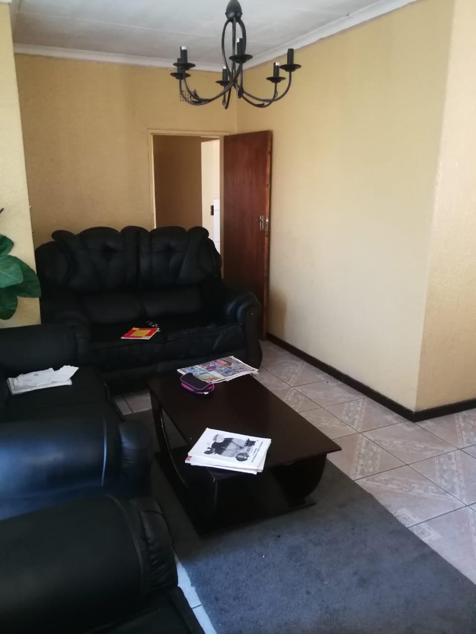 2 Bedroom House For Sale in Vereeniging Central
