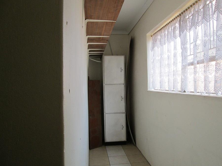 3 Bedroom Townhouse For Sale in Arcon Park