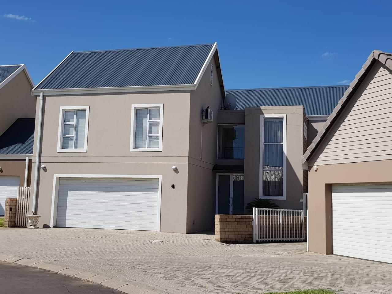5 Bedroom House For Sale in Riverspray Lifestyle Estate