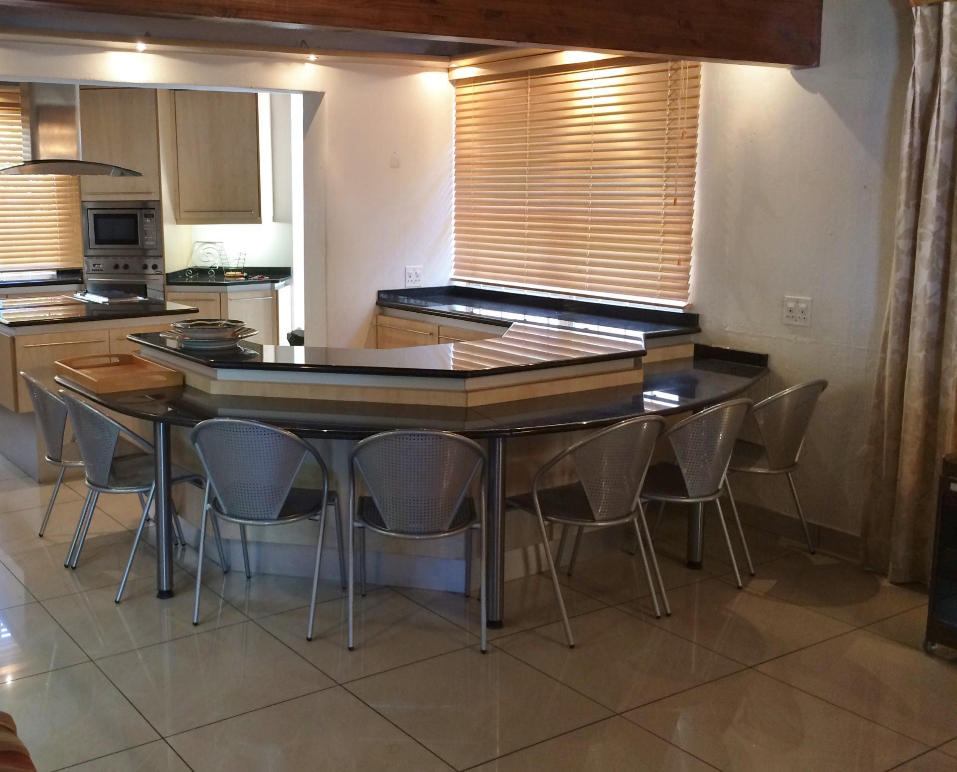 7 Bedroom House For Sale in Kaalplaats East