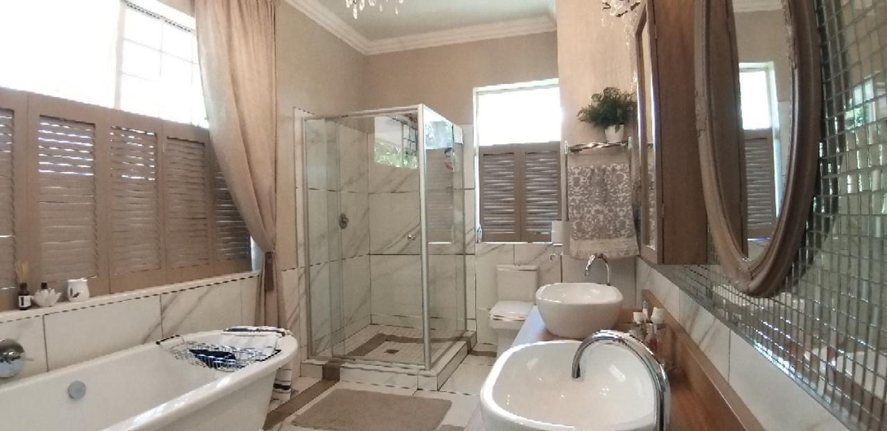 4 Bedroom House For Sale in Peacehaven