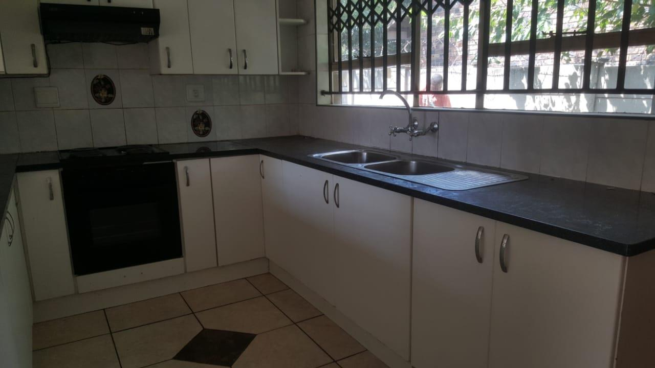 2 Bedroom House To Rent in Vaalpark