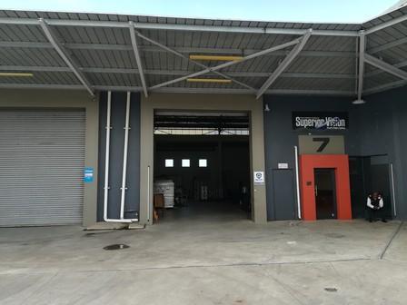 Industrial Property in Riverhorse Valley To Rent