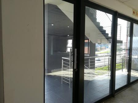 Commercial Property in Riverhorse Valley To Rent