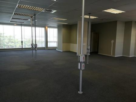 Commercial Property in La Lucia Ridge To Rent