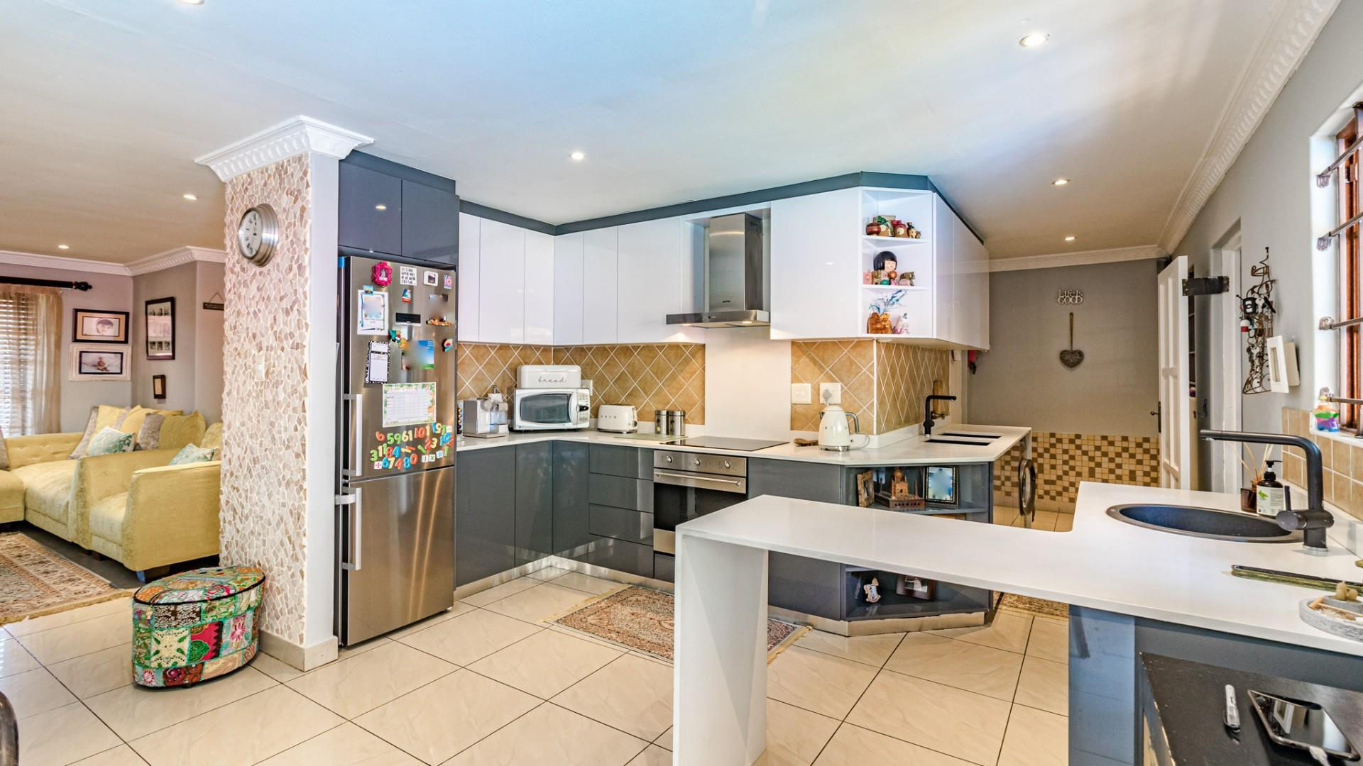 3 Bedroom Townhouse For Sale in Morningside | RE/MAX™ of ...