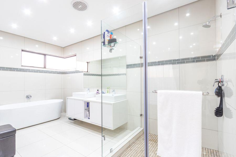5 Bedroom House For Sale in Izinga Estate