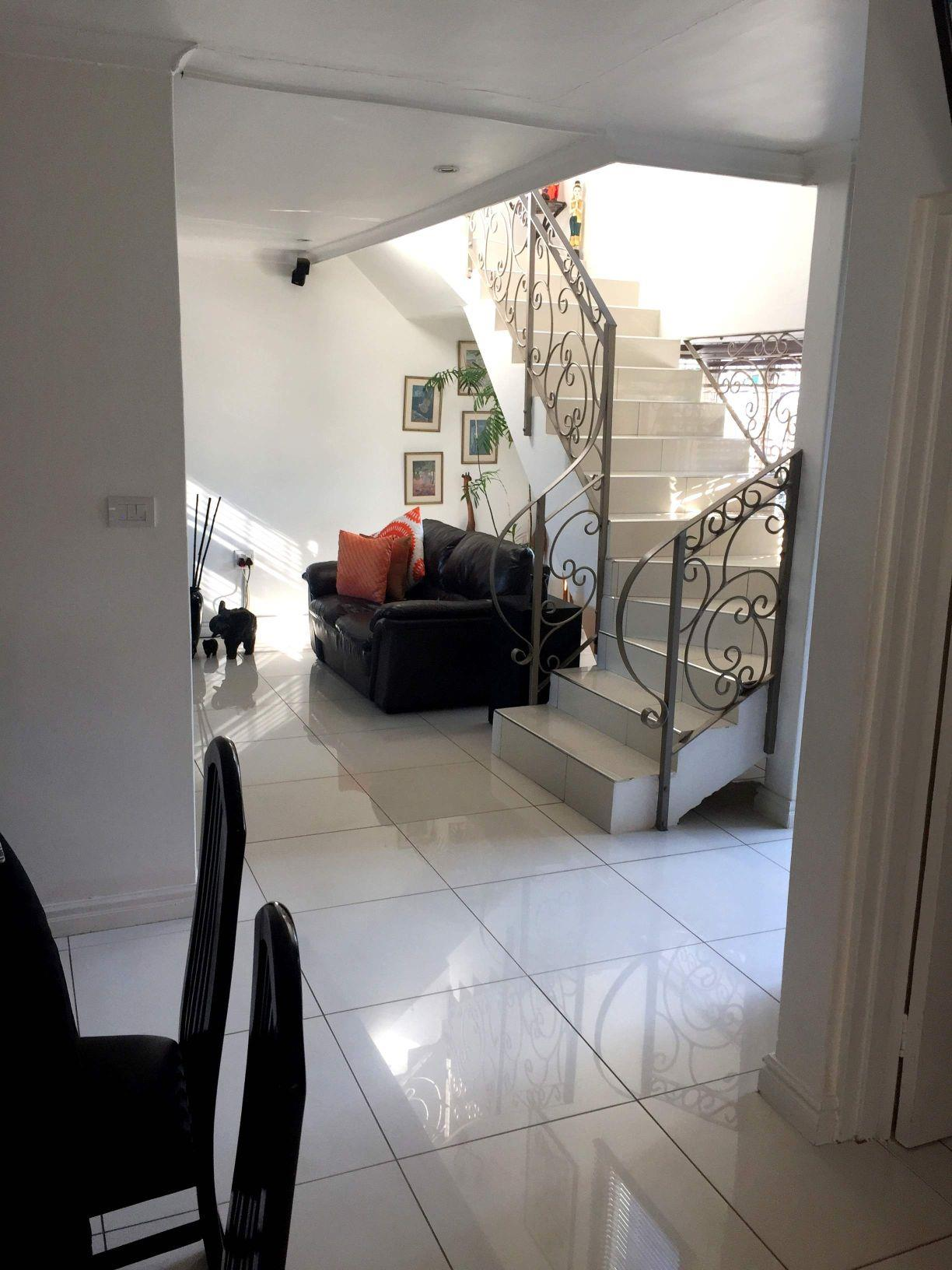 5 Bedroom House For Sale in Somerset Park