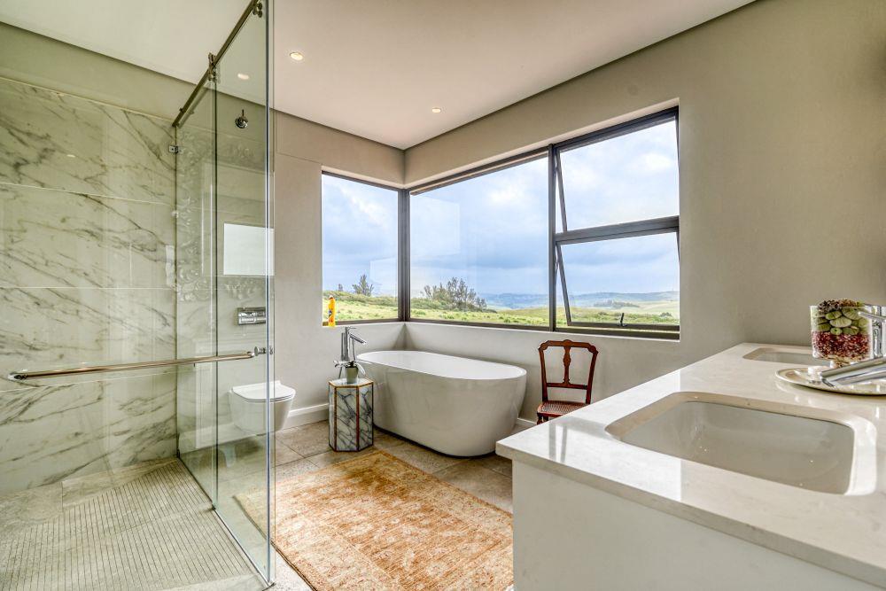 5 Bedroom House For Sale in Izinga Ridge