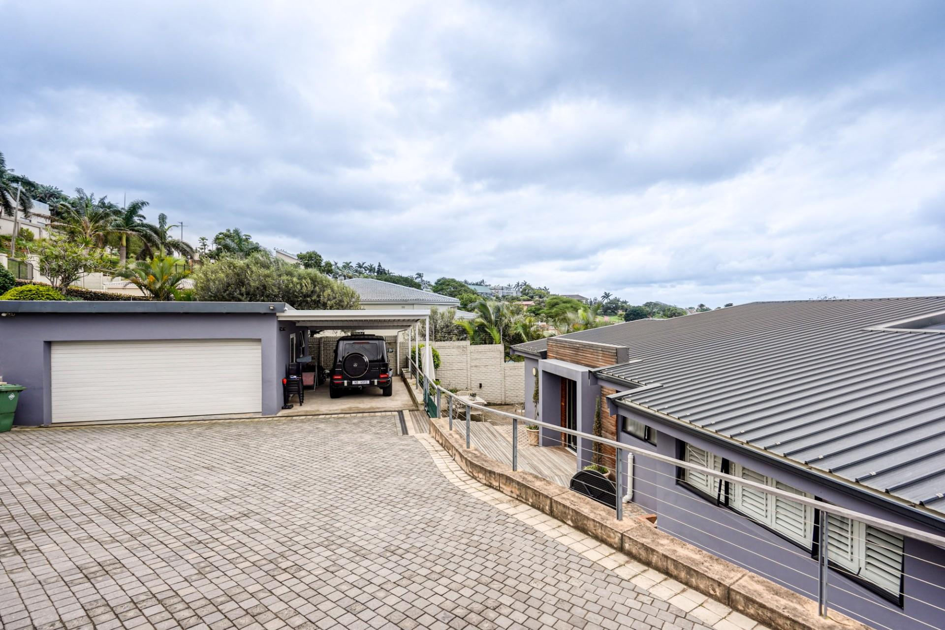 4 Bedroom House For Sale in Glenashley
