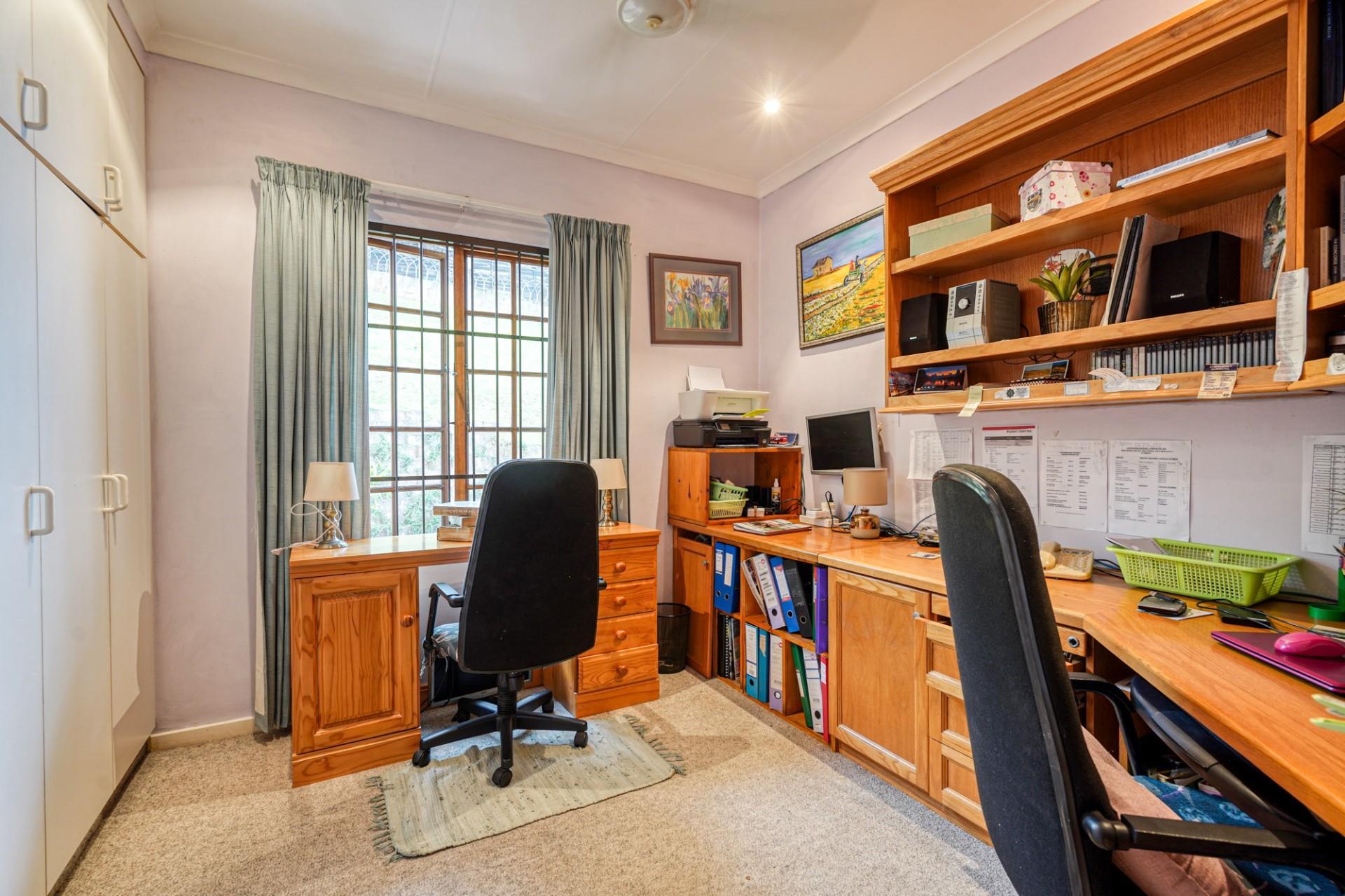 3 Bedroom Duplex For Sale in Glen Hills