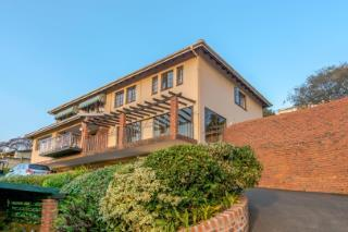 3 Bedroom Townhouse For Sale in Sunningdale