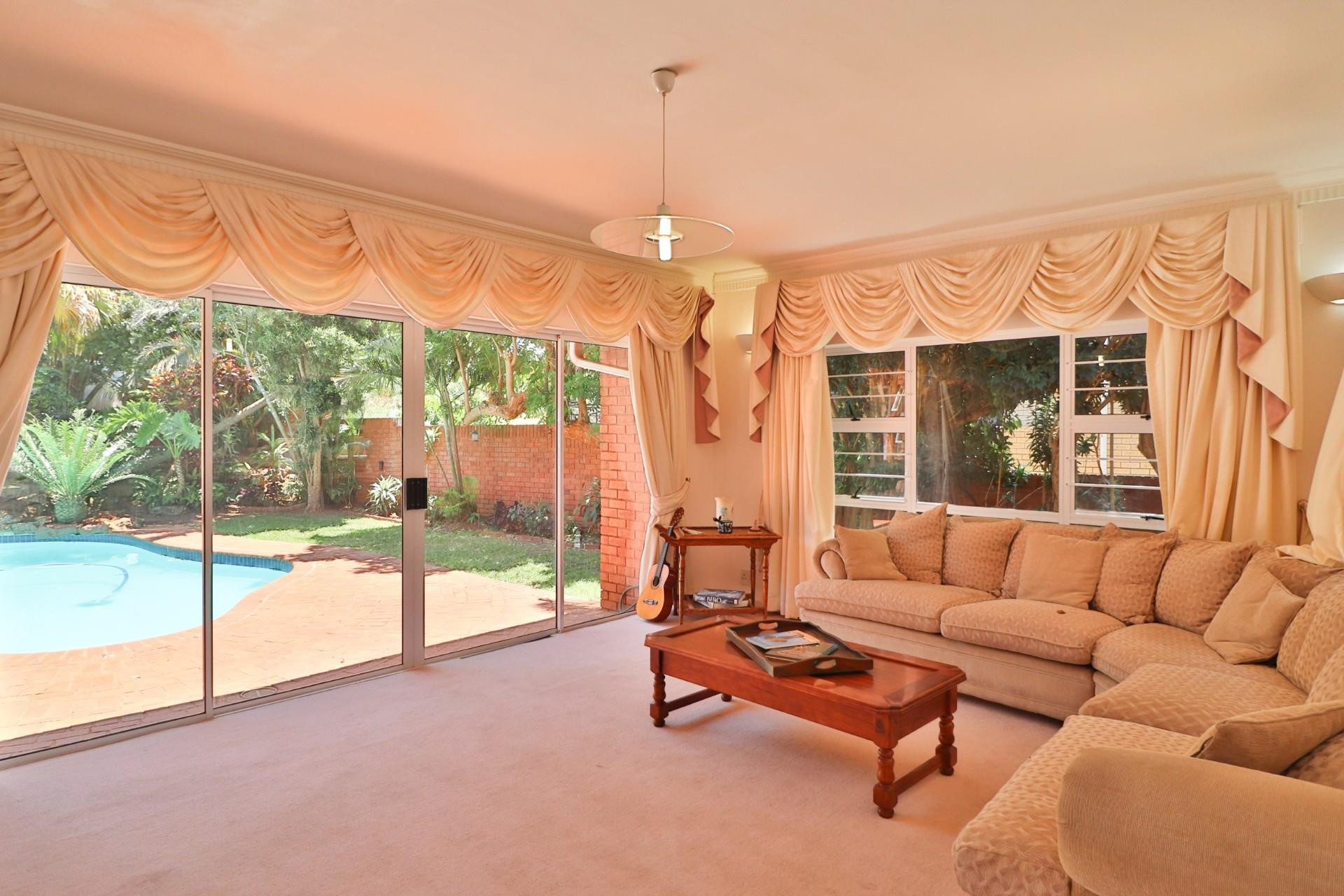 4 Bedroom House For Sale in Herrwood Park