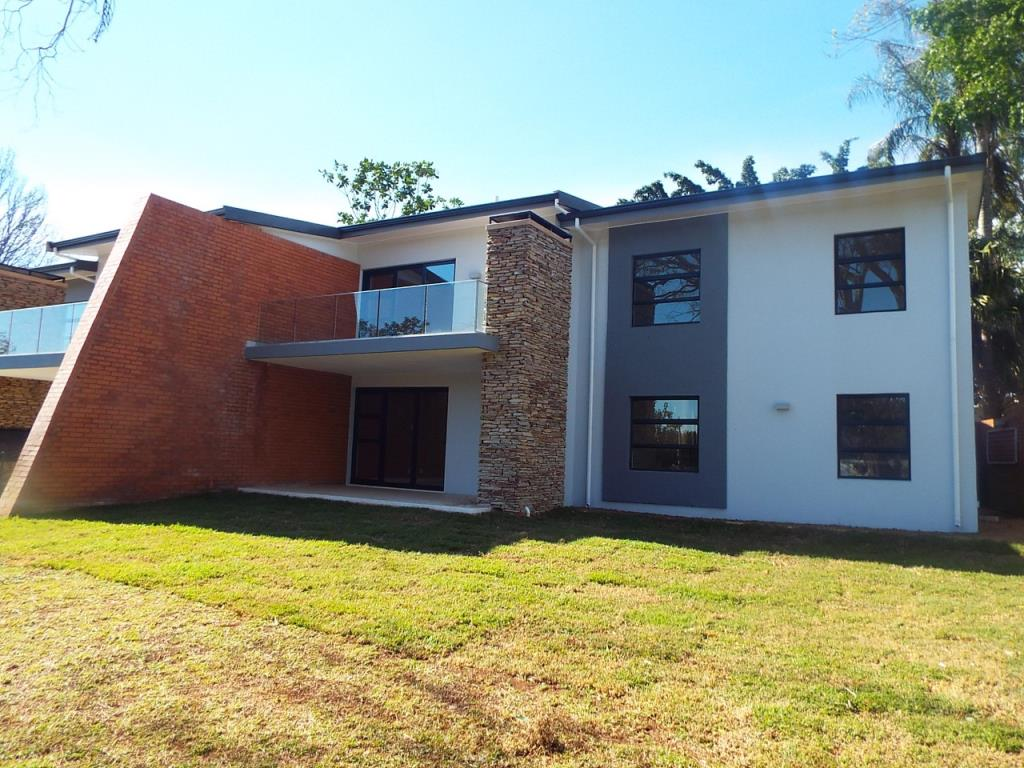 3 bedroom duplex for sale in kloof for zar 3 375 000 re max for Duplex building cost estimator