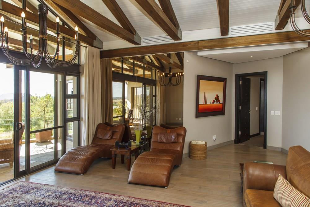 4 Bedroom House For Sale in Waterfall Equestrian Estate