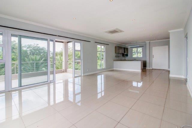 3 Bedroom Apartment / Flat To Rent in Bryanston