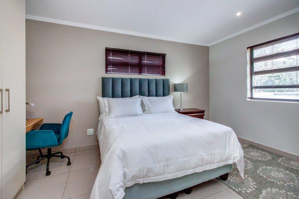 2 Bedroom House To Rent in Bryanston