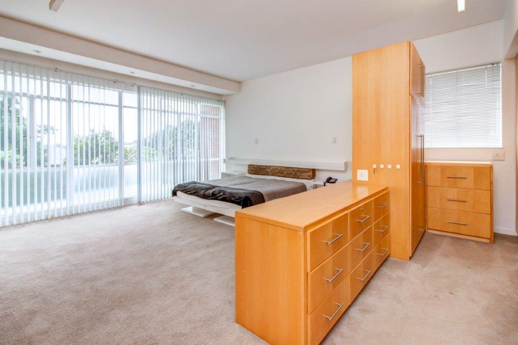 3 Bedroom Apartment / Flat To Rent in Hyde Park