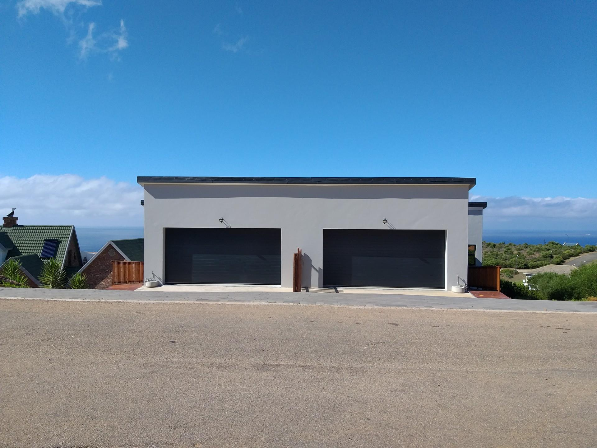 3 bedroom House in Dana Bay   RE/MAX