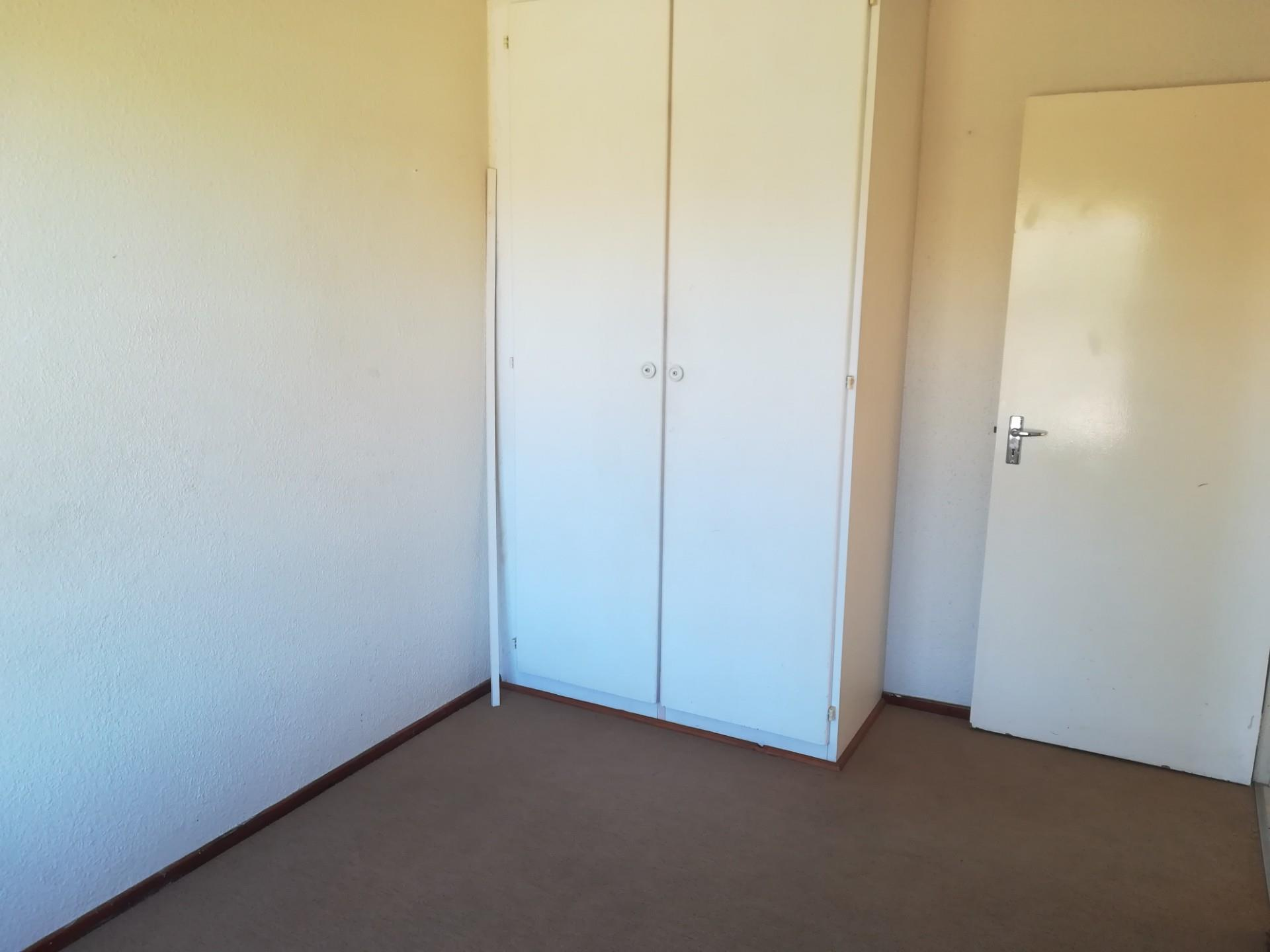 2 Bedroom Apartment / Flat To Rent in Rangeview