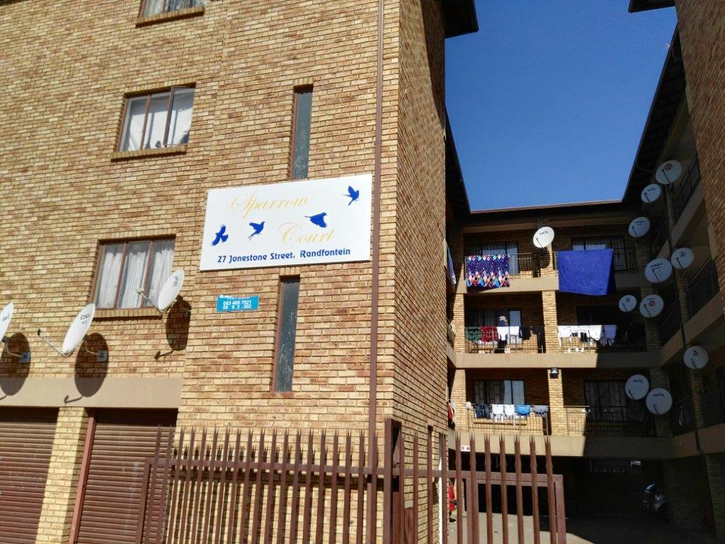 2 Bedroom Apartment / Flat To Rent in Randfontein Central