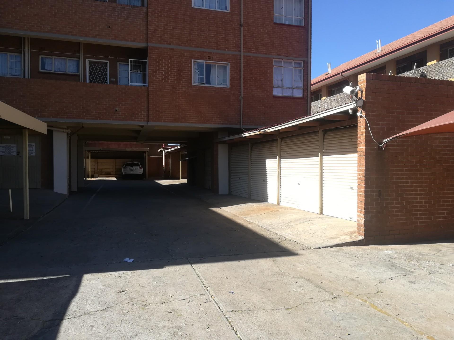 3 Bedroom Apartment / Flat To Rent in Witpoortjie