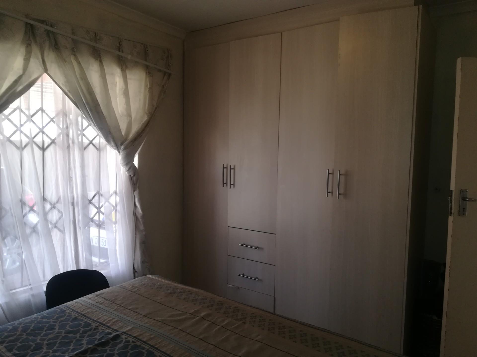 2 Bedroom House To Rent in Groblerpark