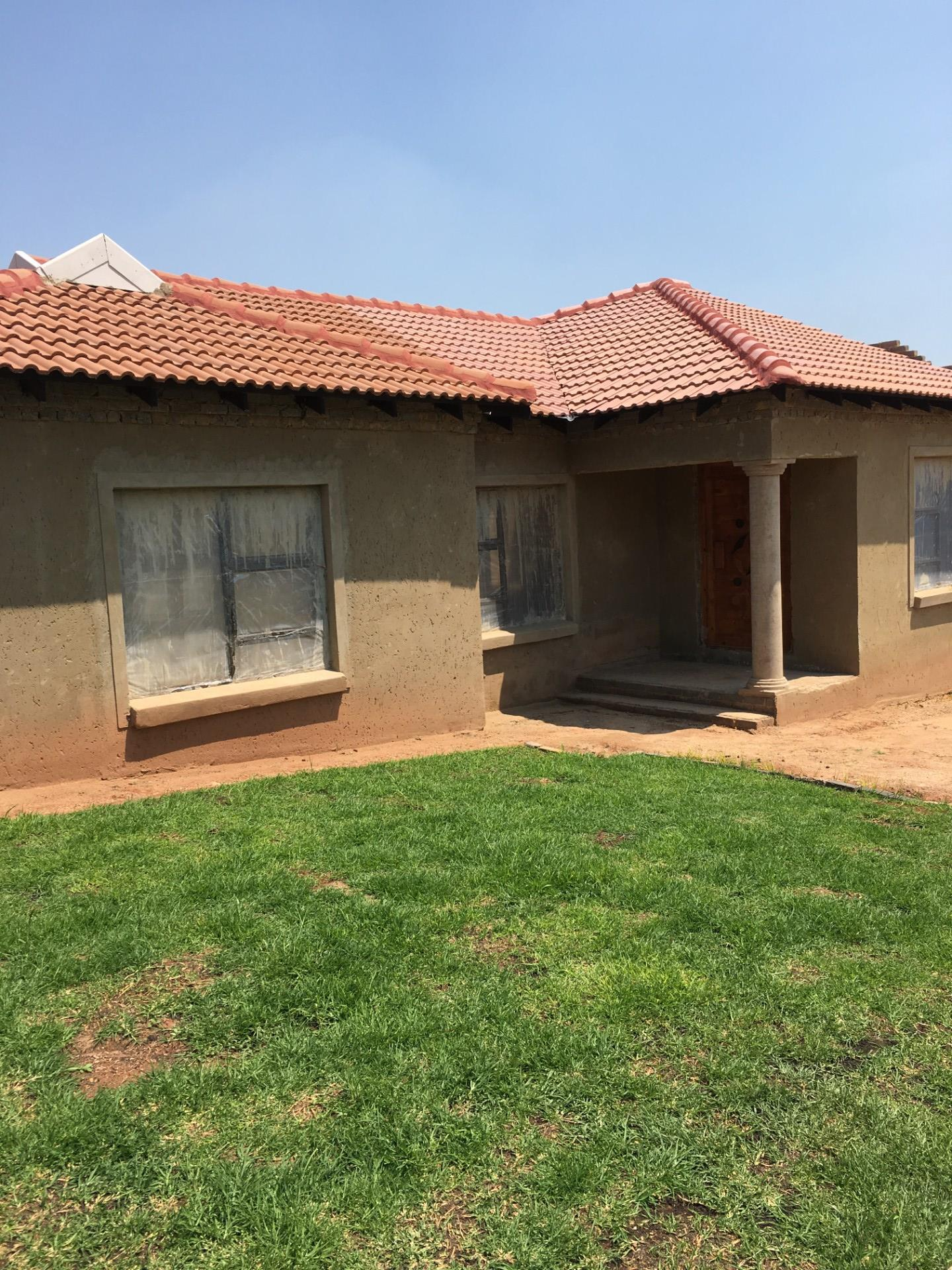 3 Bedroom House To Rent in Quellerie Park