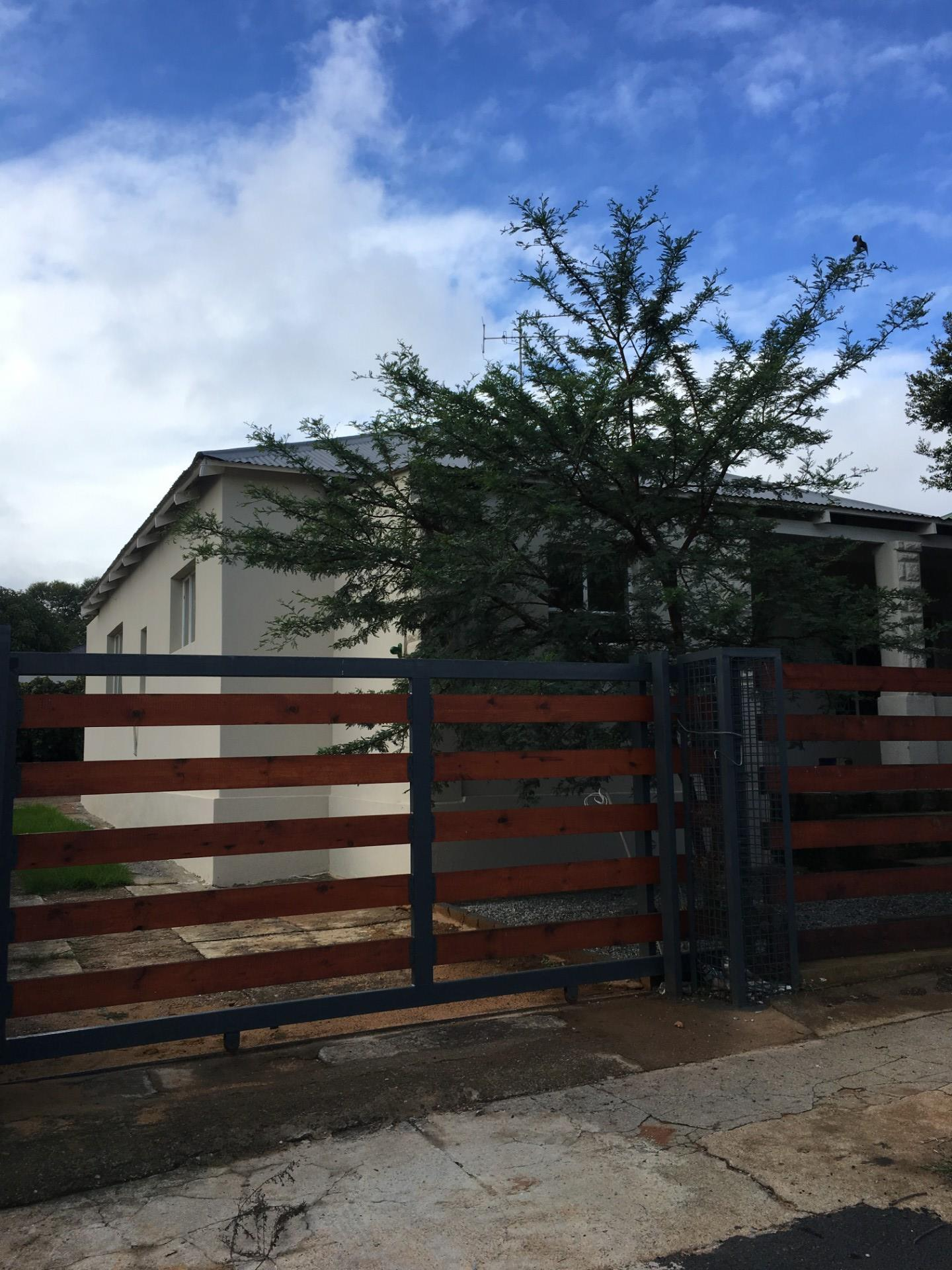 3 Bedroom House To Rent in Krugersdorp North