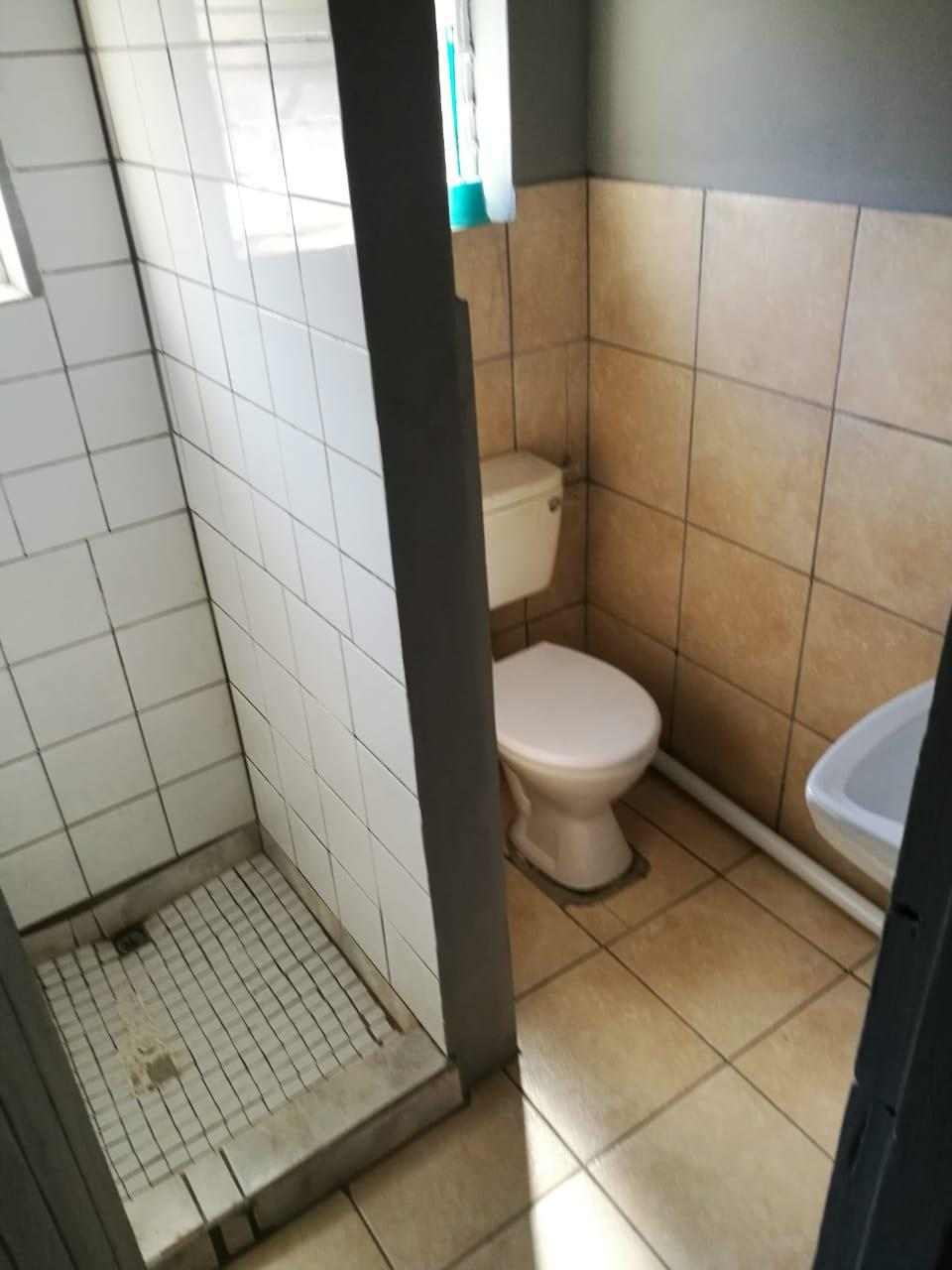 1 Bedroom House To Rent in Roodepoort