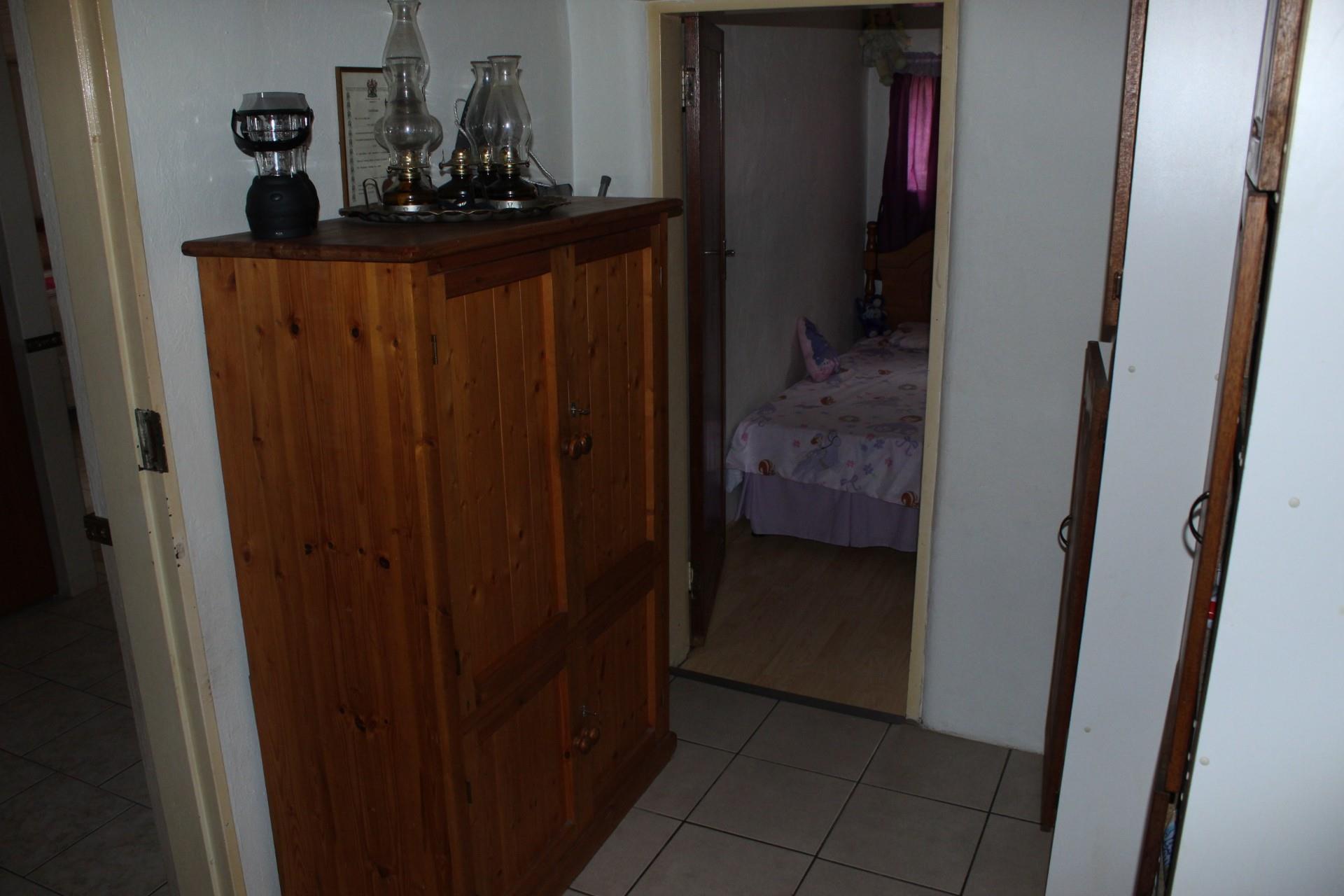8 Bedroom House For Sale in De Deur
