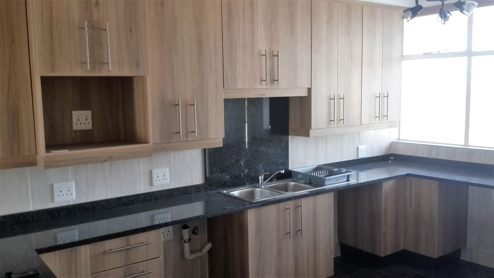 2 Bedroom Apartment / Flat For Sale in Arcon Park