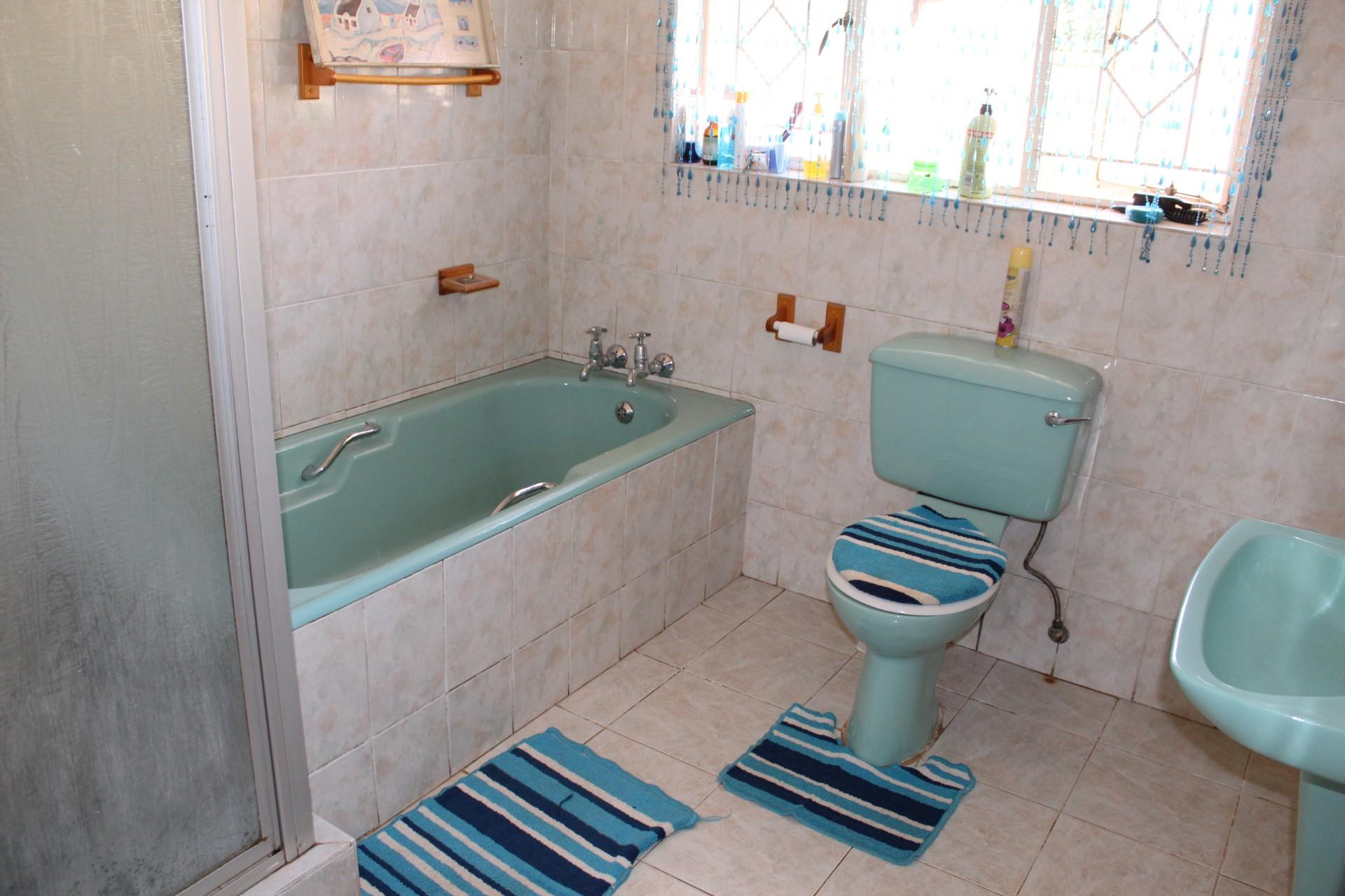 4 Bedroom House For Sale in Sonland Park
