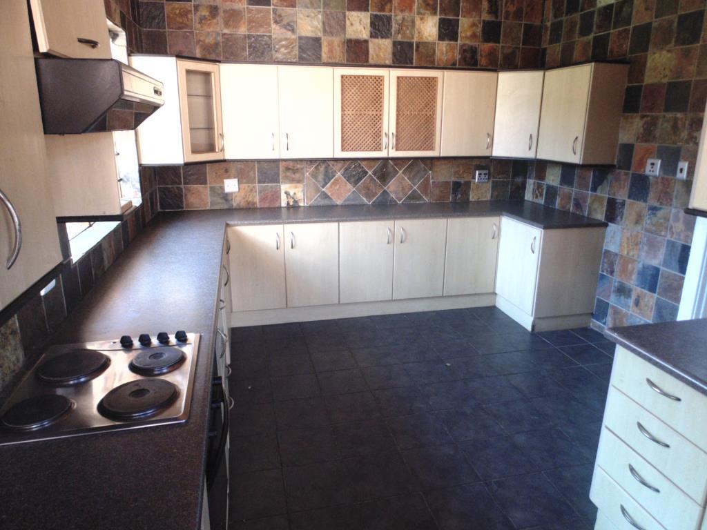 Garden Cottage To Rent in Charlo, Port Elizabeth
