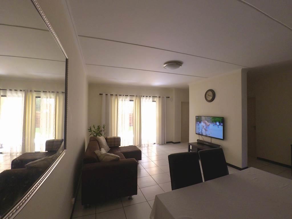 , Apartment, 3 Bedrooms - ZAR 1,650,000