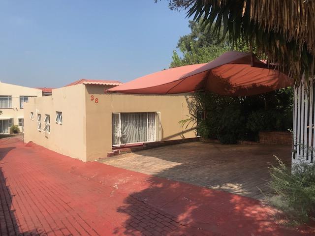 , House, 14 Bedrooms - ZAR 1,899,000