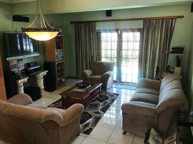 , House, 4 Bedrooms - ZAR 1,800,000