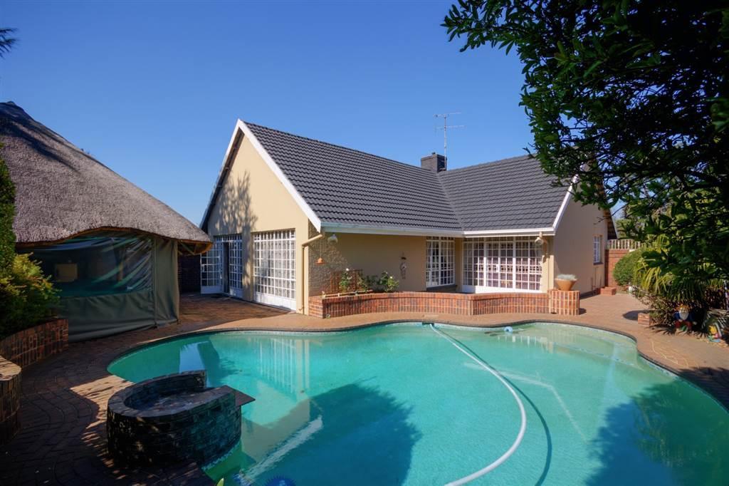 , House, 4 Bedrooms - ZAR 2,450,000