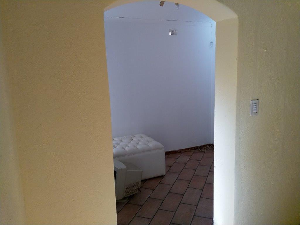 , House, 5 Bedrooms - ZAR 1,750,000