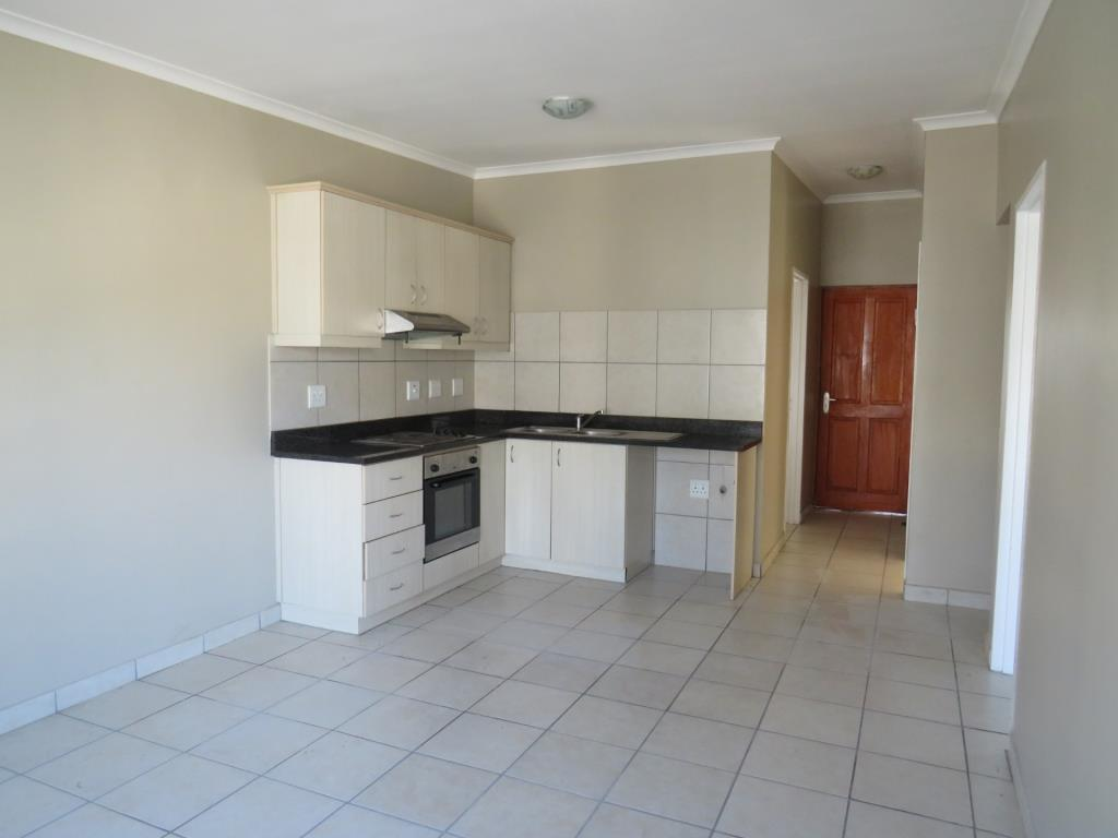 Apartment To Rent in Burgundy Estate, Cape Town