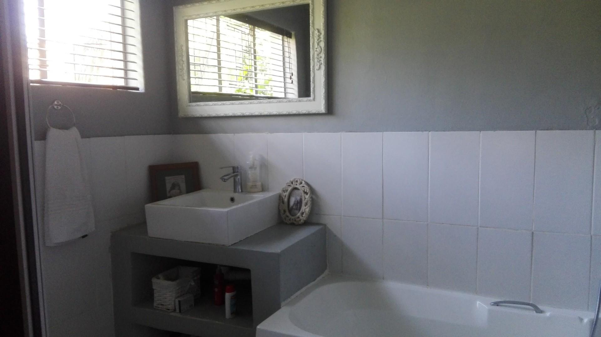 4 Bedroom House For Sale in Moregloed